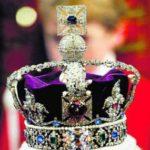 Сегодня алмаз Кохинор находится в составе короны, которой короновалась Елизавета