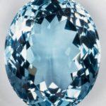 Аквамарины отличаются своей синей и голубой окраской