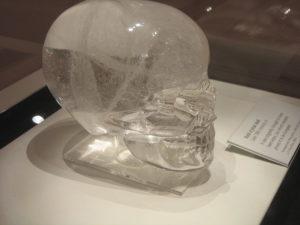 Из хрусталя делают всевозможные сувениры и статуэтки, а также изготавливают разные магические предметы