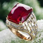Цена рубина напрямую зависит от красоты, окраски, чистоты и от отсутствия видимых дефектов.