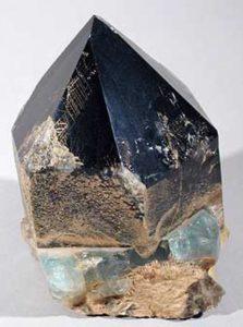 Морион - магические свойства камня черный кварц и его значение