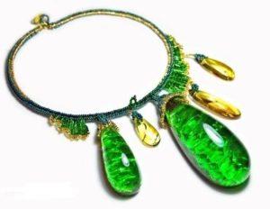 Ожерелье с камнями буранита