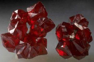 Кристаллы киновари из Никитовского месторождения, Украина