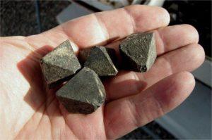 Лечебными свойствами магнетит известен с древности
