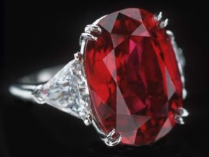 Перстень с рубином поможет в любви и замужестве