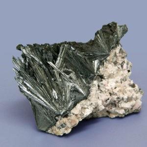 Минерал пиролюзит и его свойства, месторождения, применение