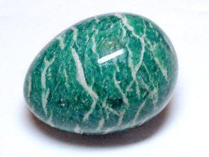 Амазонит относится к полевым шпатам