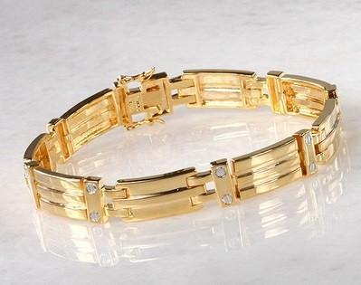 как носить золотой браслет на руке