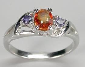 Кольцо с камнем падпараджа
