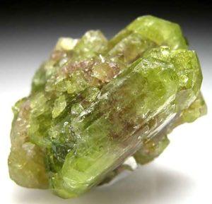 Камень везувиан: магические свойства минерала