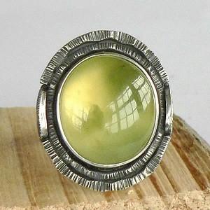 Кольцо с камнем везувиан