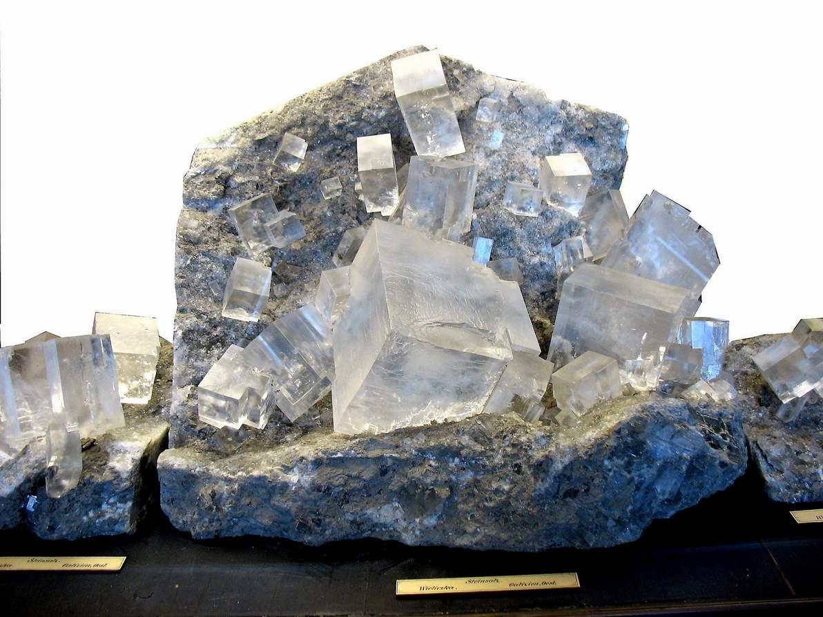 Картинка каменной соли